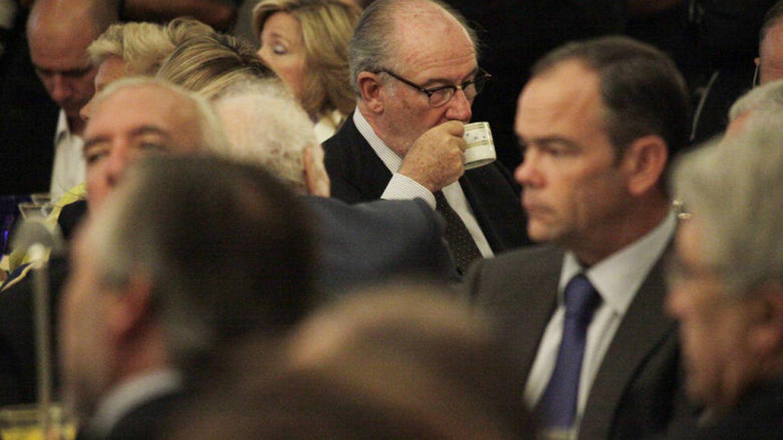 Rodrigo Rato también se apuntó al 'relaxing cup of café con leche' (E. Villarino)
