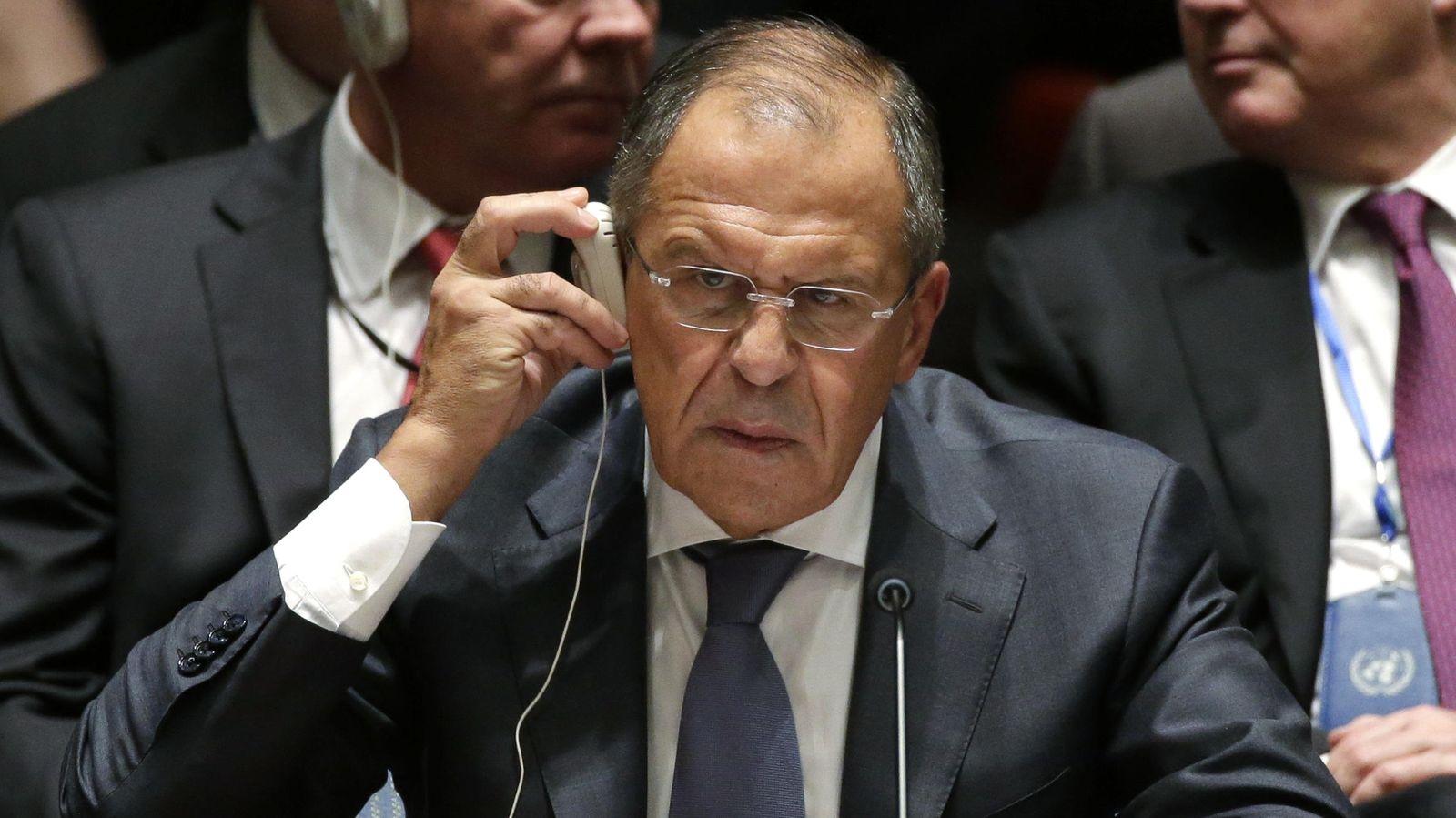 Foto: El ministro de exteriores ruso, Sergey Lavrov, escucha una traducción durante la reunión del Consejo de Seguridad de la ONU. (Reuters)