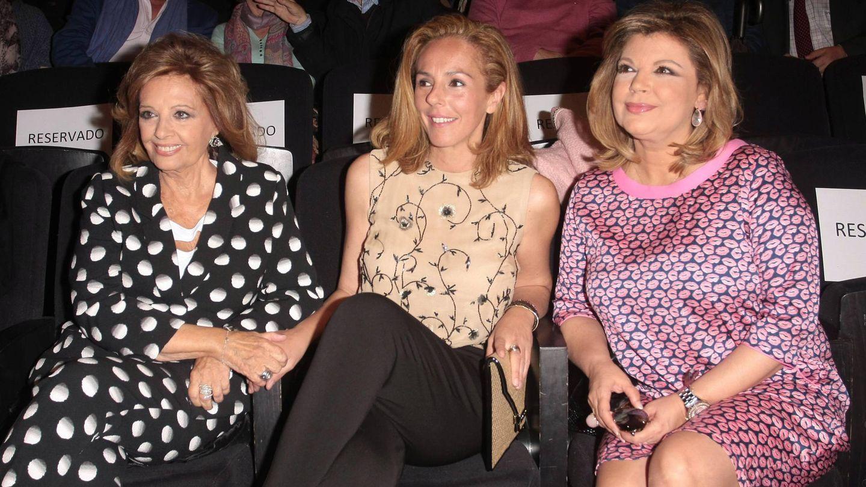 Rocío Carrasco, junto a María Teresa Campos y Terelu. (CP)