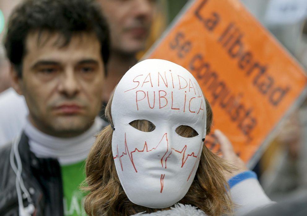 Foto: Manifestación por la defensa de los servicios públicos en Madrid. (Juanjo Martín/ EFE)