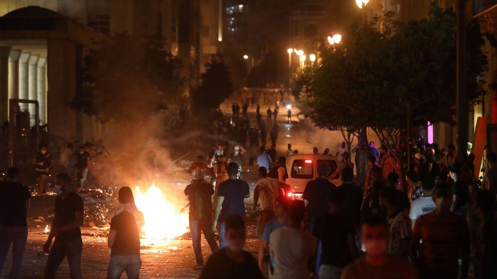 Foto: Manifestantes contra el Gobierno en Beirut (Reuters)