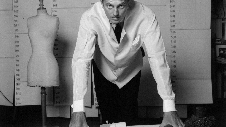 Hubert de Givenchy en su atelier.