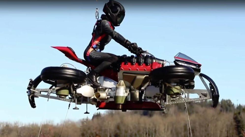 Foto: Una moto para utilizar por carretera y, también, por el aire. (CC)