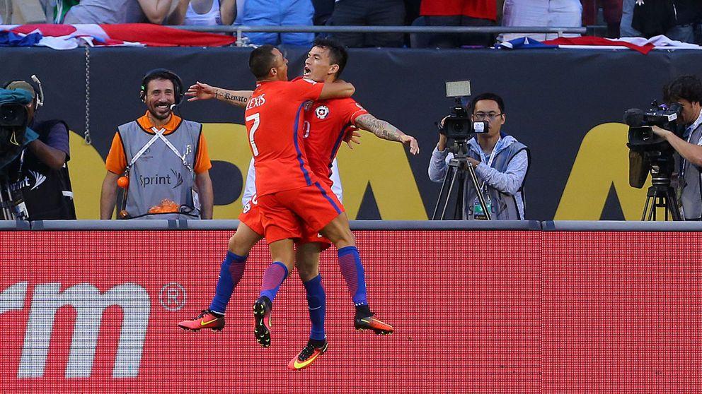 A Chile le bastan 11 minutos para pasar por encima de la Colombia de James