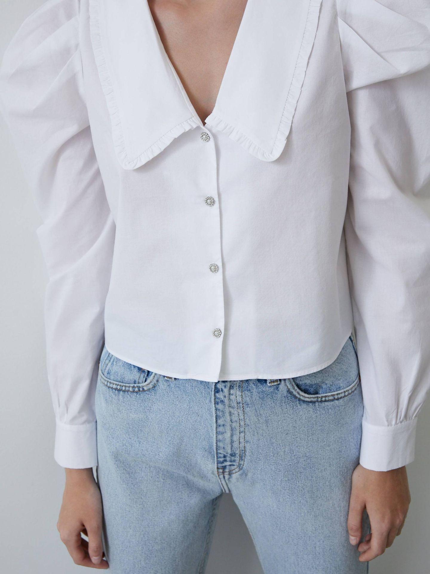 Camisa de popelín de Zara. (Cortesía)