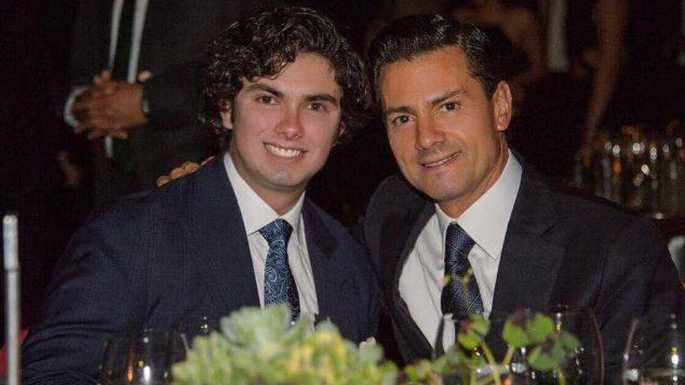 El hijo de Enrique Peña Nieto se gradúa entre críticas por el derroche