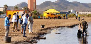 Post de Alrededor de 70.000 personas guardan un minuto de silencio en el Mar Menor
