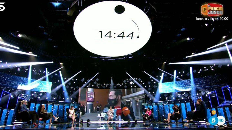 El plató con el gran cronómetro. (Mediaset)