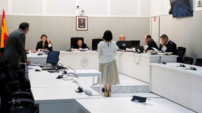 Foto: Claudia Patricia Díaz Guillén, exenfermera de Chávez, declara ante la Audiencia Nacional. (EFE)