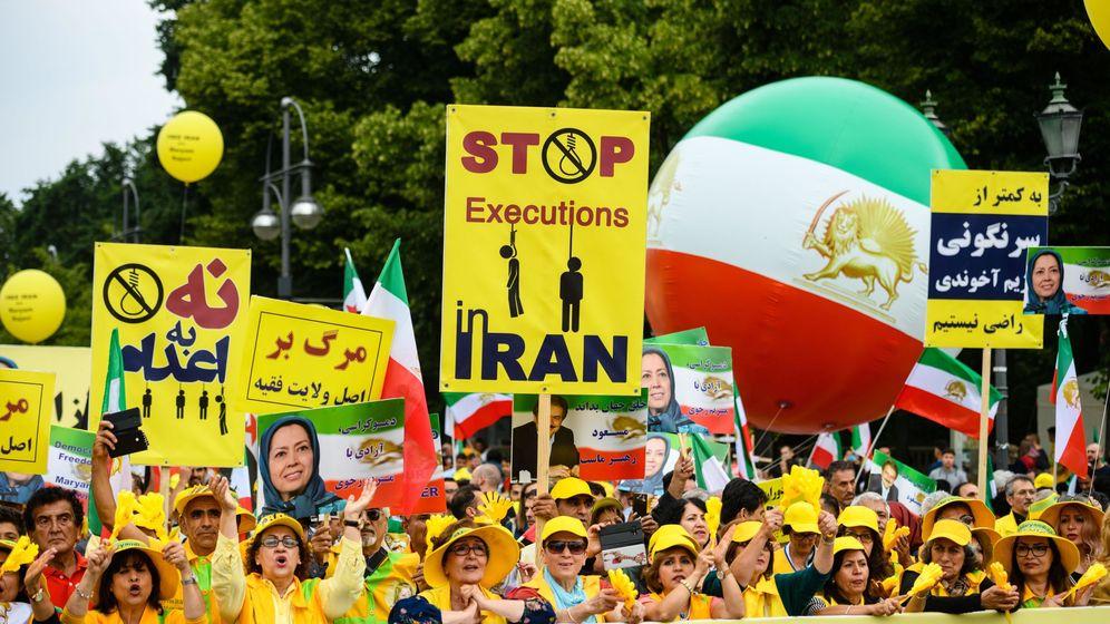 Foto: Manifestación de miembros del Consejo Nacional de Resistencia de Irán (NCRI) en Berlín el año pasado. (EFE)