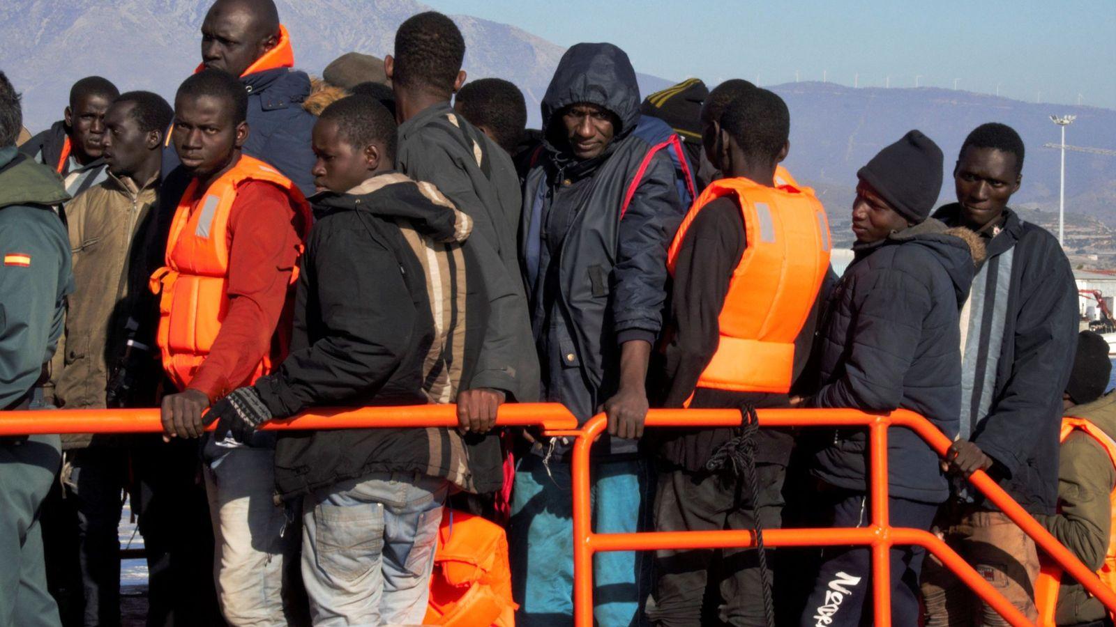 671 inmigrantes llegan a la costa de Andalucía durante el fin de ...