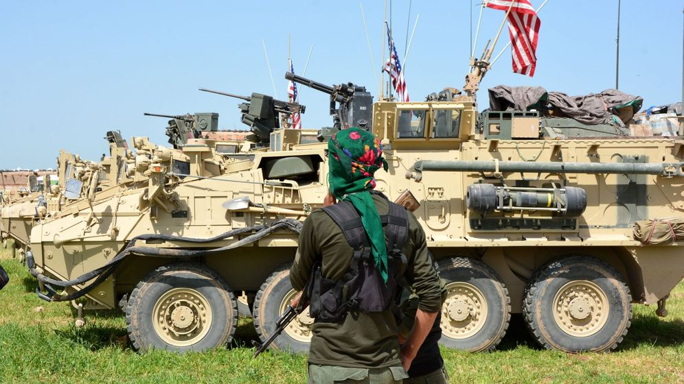 Foto: Blindados estadounidenses en Siria. (EFE)