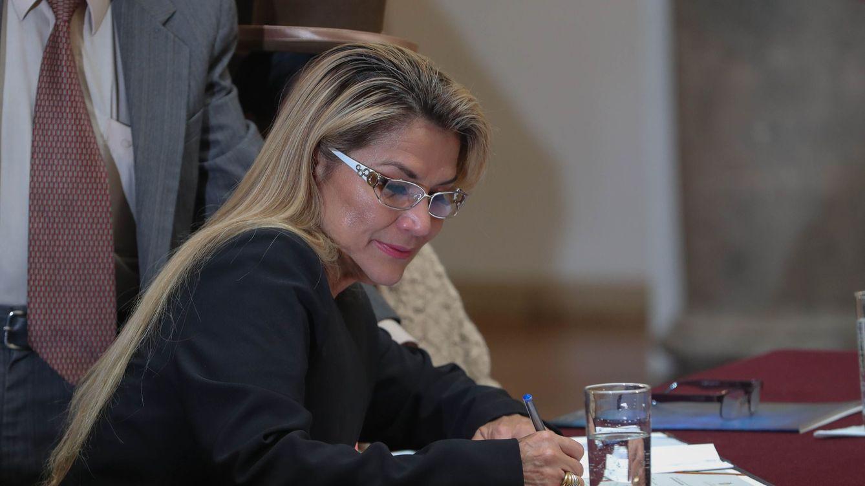 Un juez ordena que la expresidenta boliviana Áñez siga en prisión por riesgos procesales