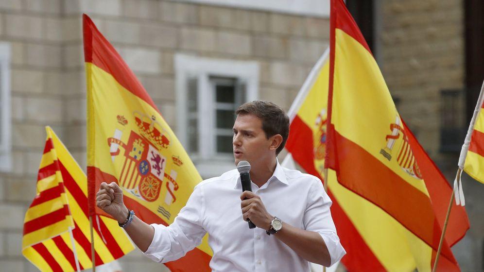 Foto: El presidente de Ciudadanos, Albert Rivera, en un acto convocado por España Ciudadana en Barcelona. (EFE)