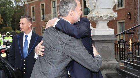 El cariñoso encuentro de Felipe y Guillermo de Holanda (y dos grandes ausencias)