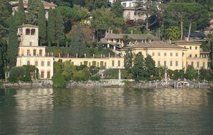 La prensa suiza anuncia la venta de Villa Favorita y el entorno de la baronesa lo niega