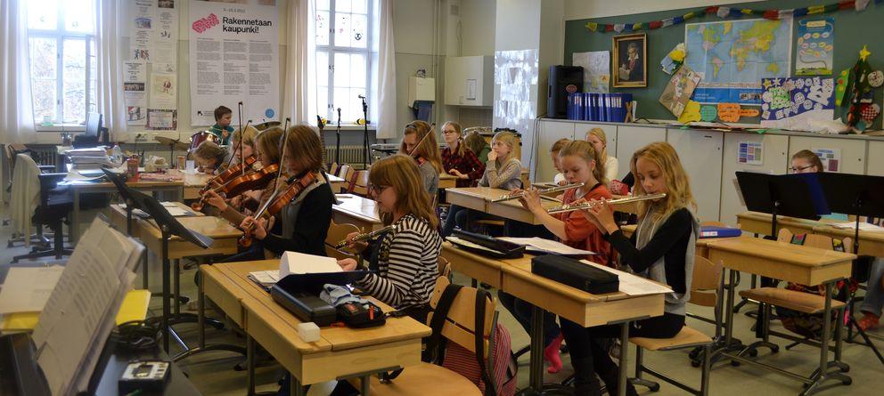 Foto: Alumnos del colegio público de educación primaria Kaisaniemi, en Helsinki, durante una clase (P.D. Jiménez).