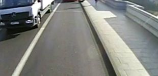 Post de Detenido el 'runner' que lanzó a una mujer contra un autobús en Londres