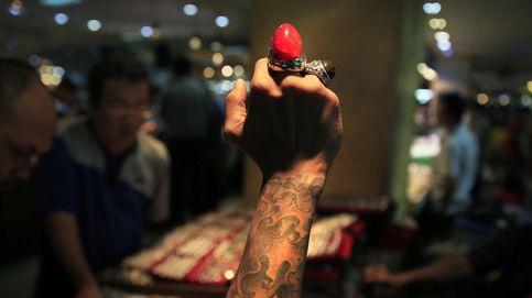 Muerte y esperanza en la minería ilegal de gemas en Camboya