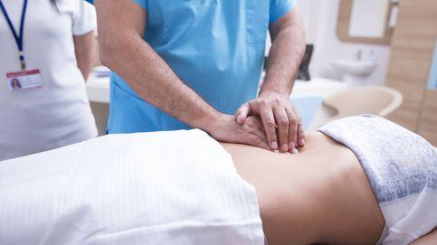Los cinco síntomas de la apendicitis (además del dolor abdominal)