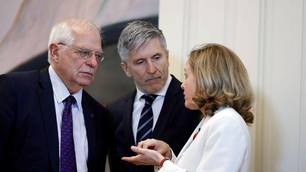 Foto: Joseb Borrell, Fernando Grande-Marlaska y Nadia Calviño. (EFE)