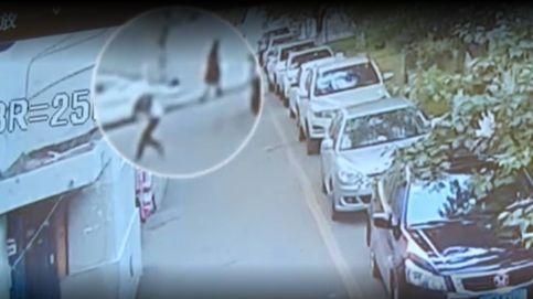 Un hombre coge al vuelo a un niño que cayó desde un quinto piso en China