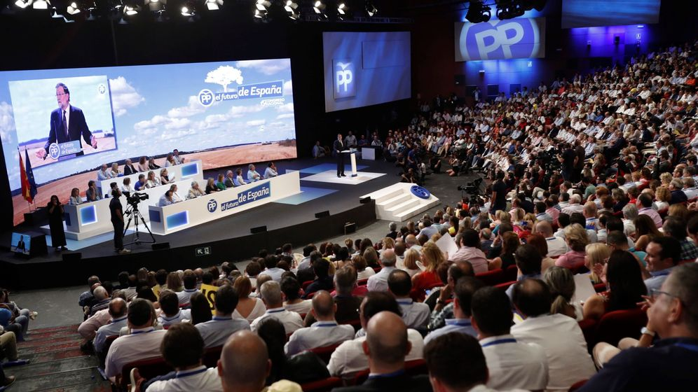 Foto: El presidente del PP, Mariano Rajoy, durante su intervención en la celebración del Congreso Nacional del Partido Popular. (EFE)