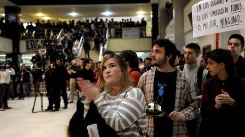 La batalla por una universidad laica afecta a 20 capillas y un puñado de fieles en Madrid