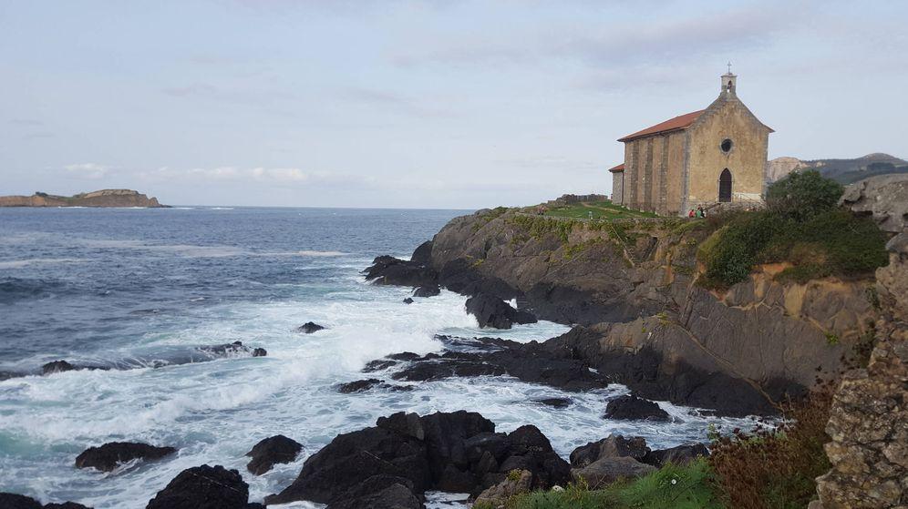 Foto: Ermita de Santa Catalina, en Mundaka. (Atresmedia)