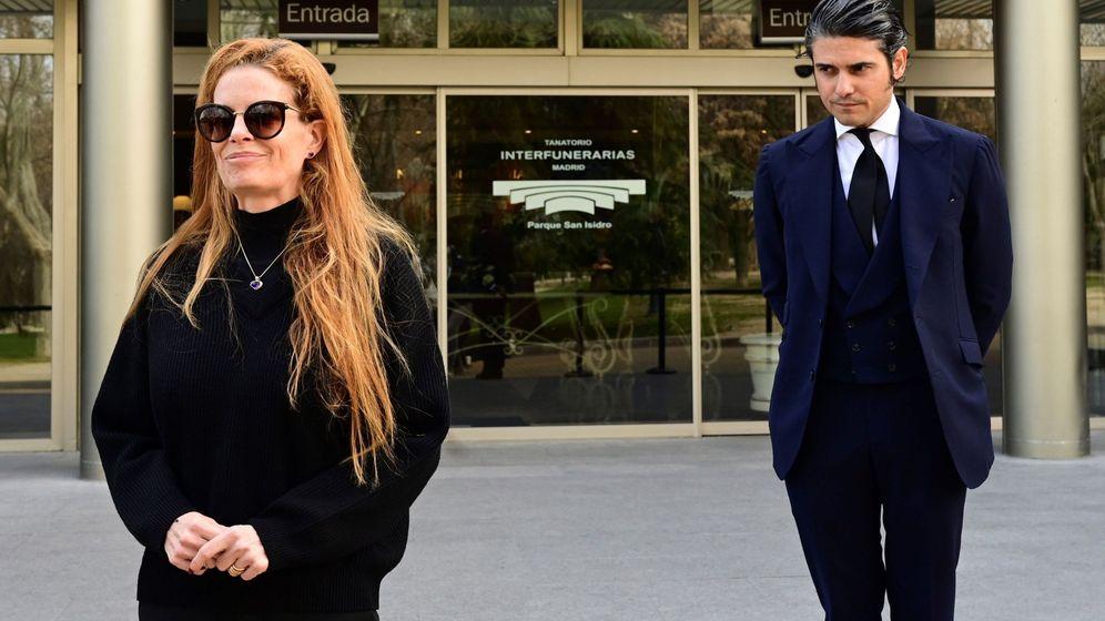 Foto: Olivia de Borbón, con su marido. (EFE)