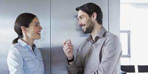 Foto: Uno de cada tres españoles quiere mantener una relación sentimental en el trabajo