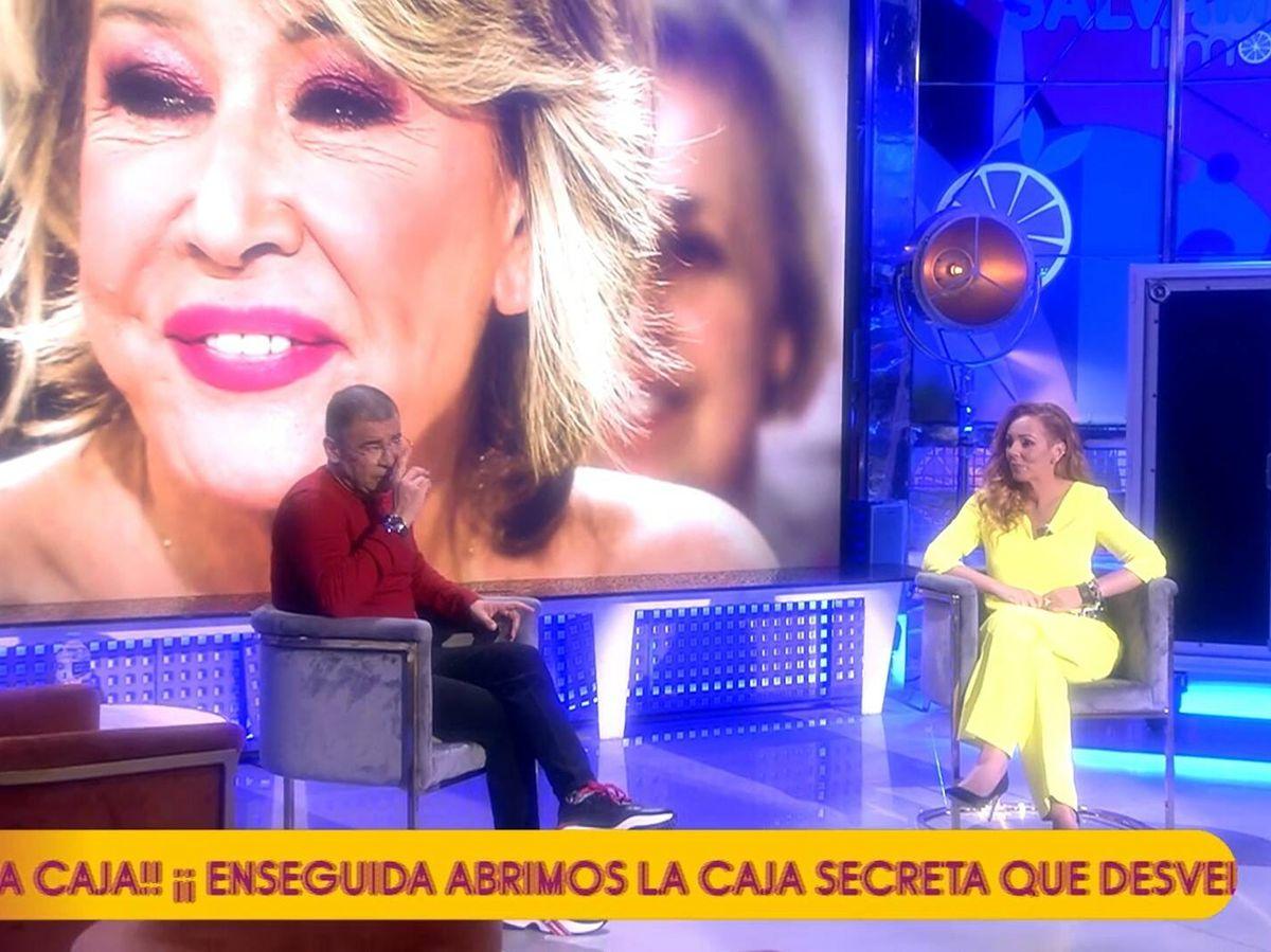 Foto: Jorge Javier Vázquez y Rocío Carrasco en el plató de 'Sálvame'. (Telecinco)
