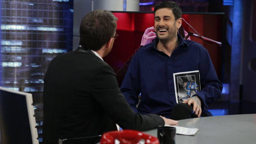Foto: Melendi con Pablo Motos en 'El Hormiguero'. (Atresmedia)