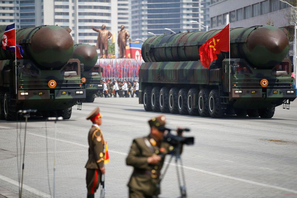 Foto: Misiles balísticos intercontinentales desfilan en Pyongyang durante la conmemoración del 105º aniversario del nacimiento de Kim Il Sung, el 15 de abril de 2017. (Reuters)