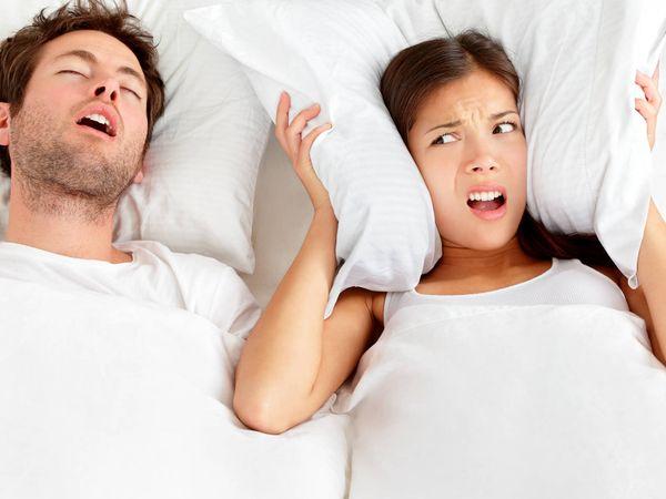 Dormir bien: Las cosas que dices cuando hablas en sueños y