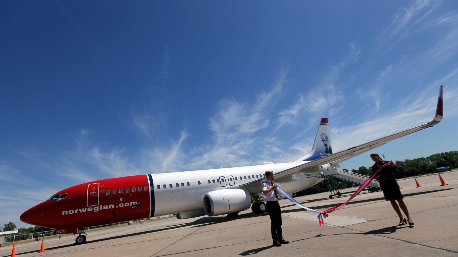Foto: Boeing 737 Max de Norwegian, que lo seguirá operando con normalidad. (Reuters)
