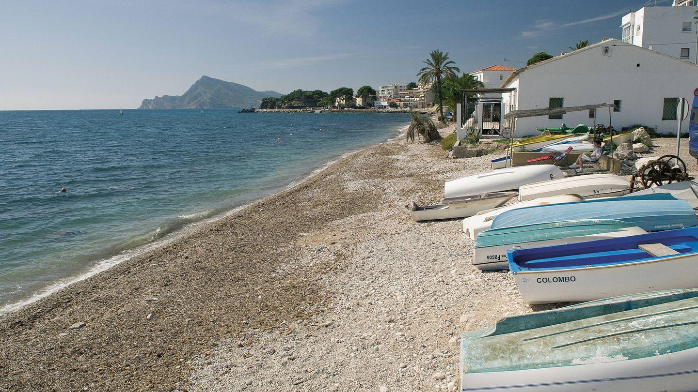 La playa de La Olla, un clásico de Altea. (Foto: Agència Valenciana del Turisme)