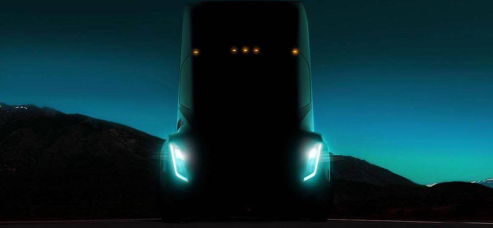 Foto: Una de las imágenes que ha distribuido Tesla del 'semitruck' que presentará esta semana. (Tesla)