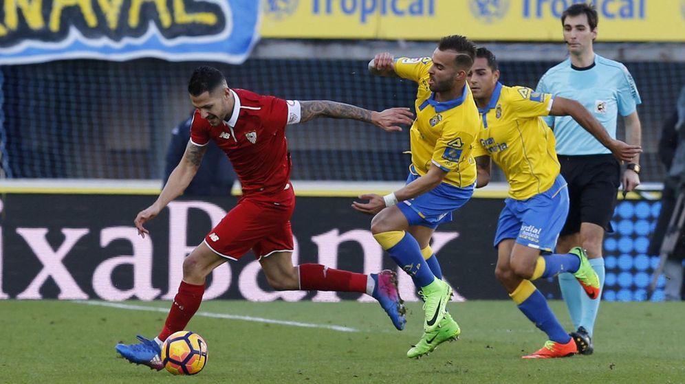 Foto: Vitolo, jugando en Las Palmas. (EFE)