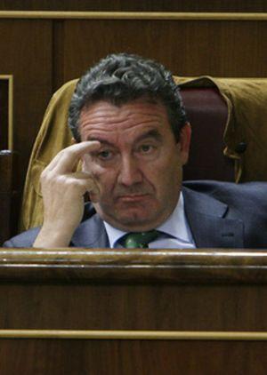 El diputado Jesús Merino también pide la baja como militante del PP