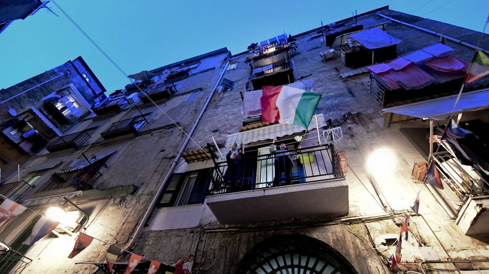 Foto: Imagen de este viernes en Nápoles. (EFE)