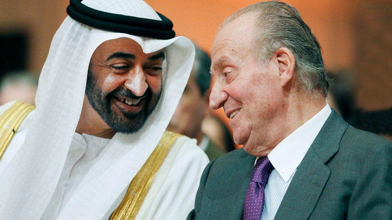 El rey Juan Carlos con el príncipe heredero de Abu Dabi.