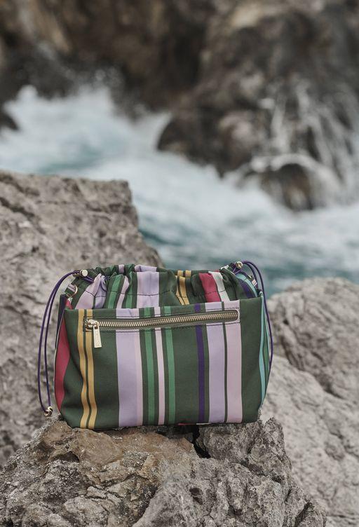 Foto: Mira muy bien lo que metes en tu neceser de playa. (Foto: Zara Home)