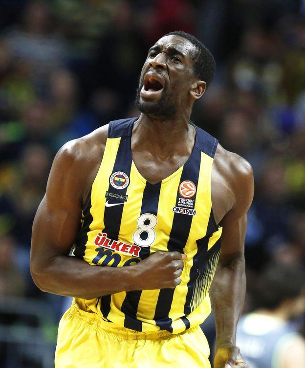 Foto: Udoh llegó al Fenerbahçe en verano de 2015 (Tolga Bozoglu/EFE)