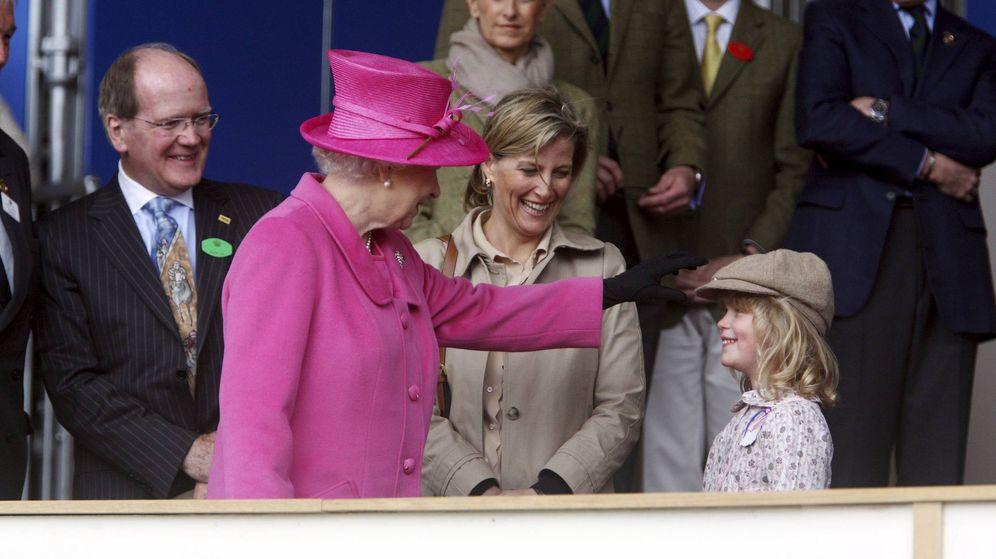 Foto: Isabel II, Sophie Wessex y lady Louise en una imagen de archivo. (EFE)