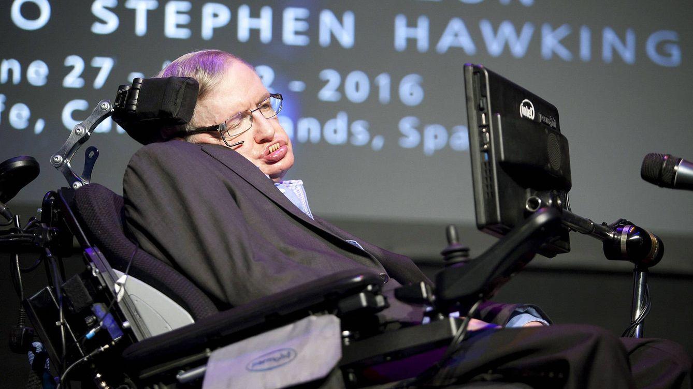 Foto: El físico británico Stephen Hawking pronuncia la charla A Brief History of Mine en la que hace un repaso a su vida y carrera, hoy en el festival Starmus. EFE/Ramón de la Rocha