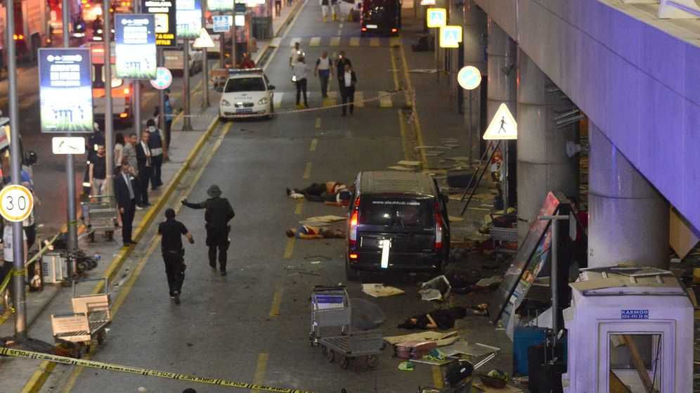 Foto: Atentado terrorista en el aeropuerto de Estambul, Turquía