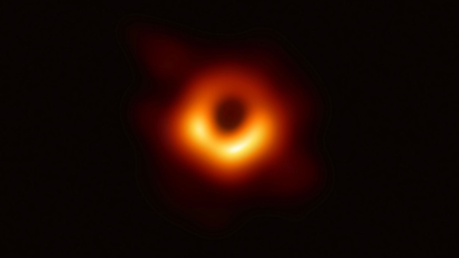 Foto: La imagen histórica de un agujero negro. (Reuters)
