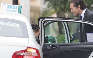Álvaro Fuster y Beatriz Mira se casan en Málaga en presencia de los príncipes de Asturias