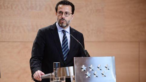 Más de cien altos cargos de la Comunidad de Madrid, 'obligados' a compartir coche oficial